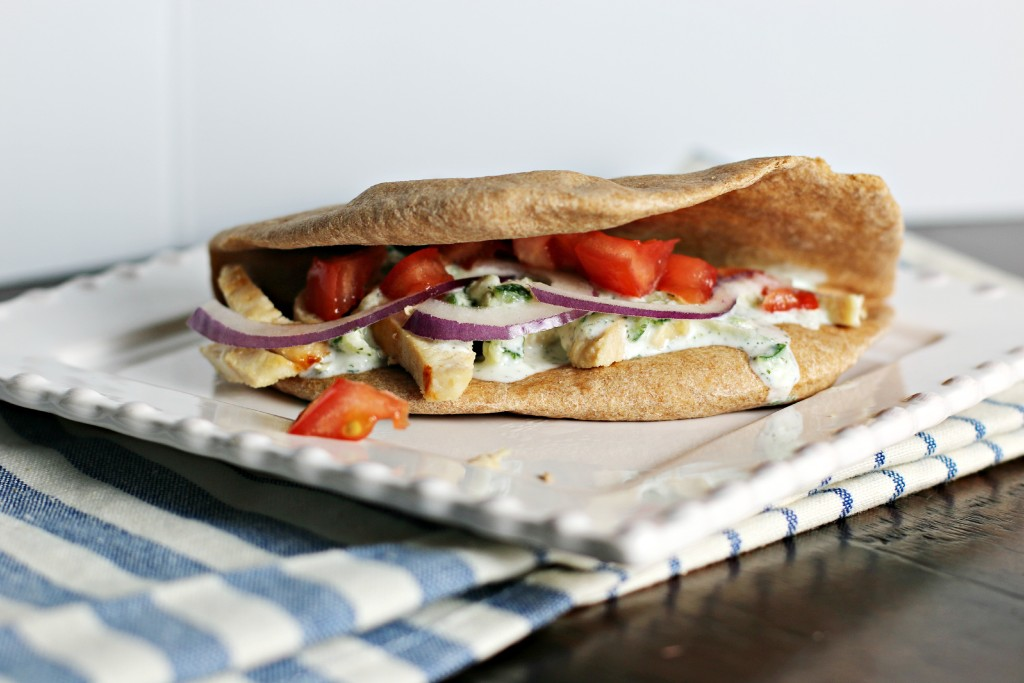 Chicken Pita with yogurt sauce